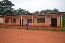 2015 - Réhabilitation de salles de classe à Mayang par Lomié